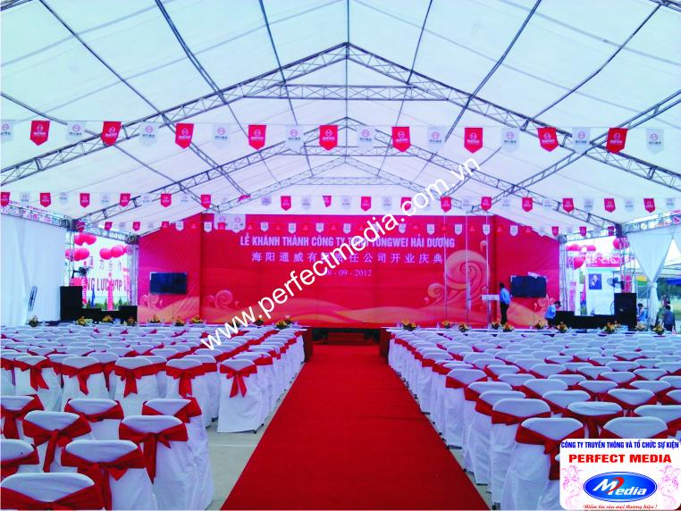Không gian nhà giàn và sân khấu sự kiện