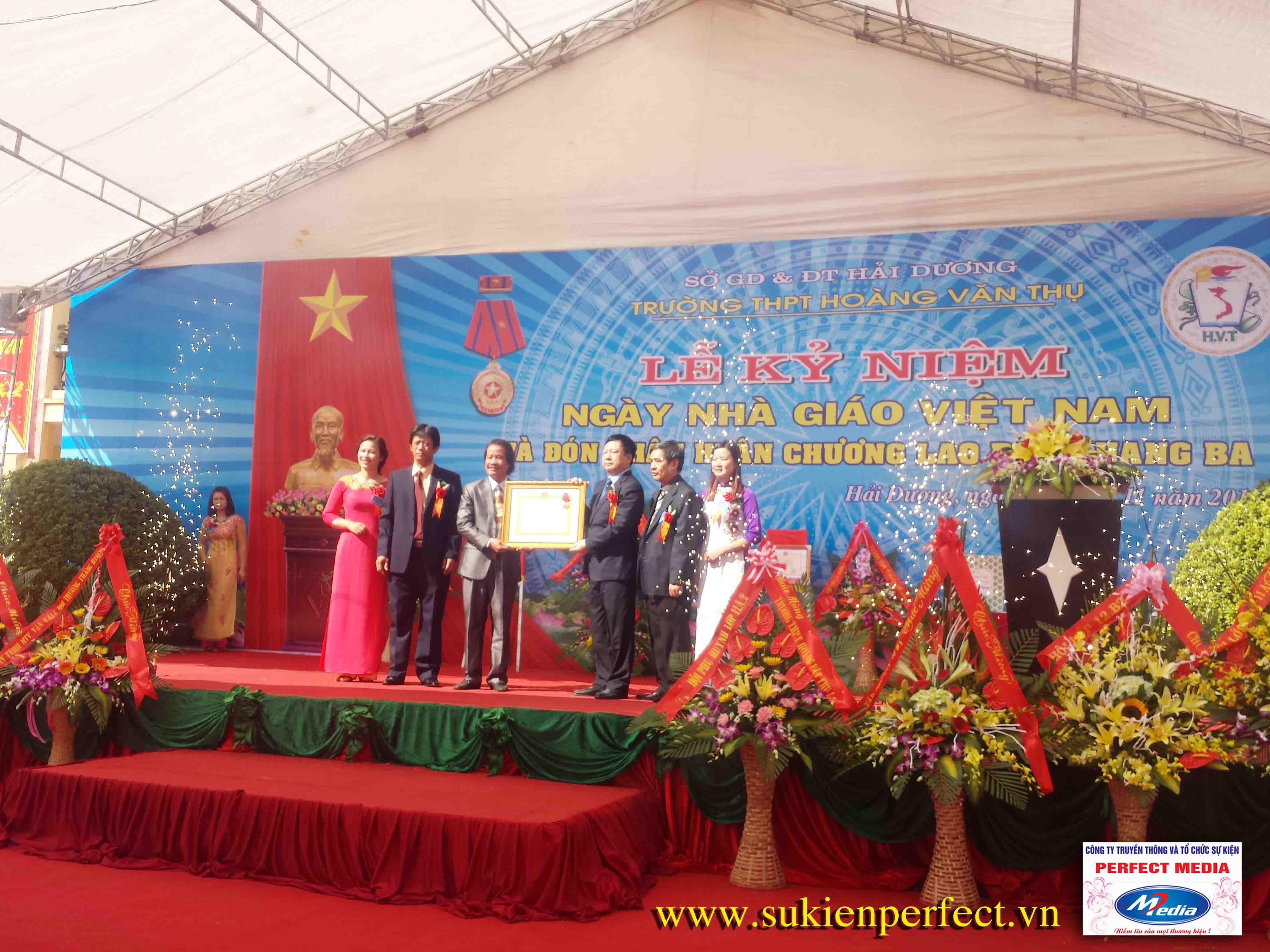 Hình ảnh trong sự kiện Lễ đón nhận Huân chương lao động Hạng Ba tại Hải Dương 16