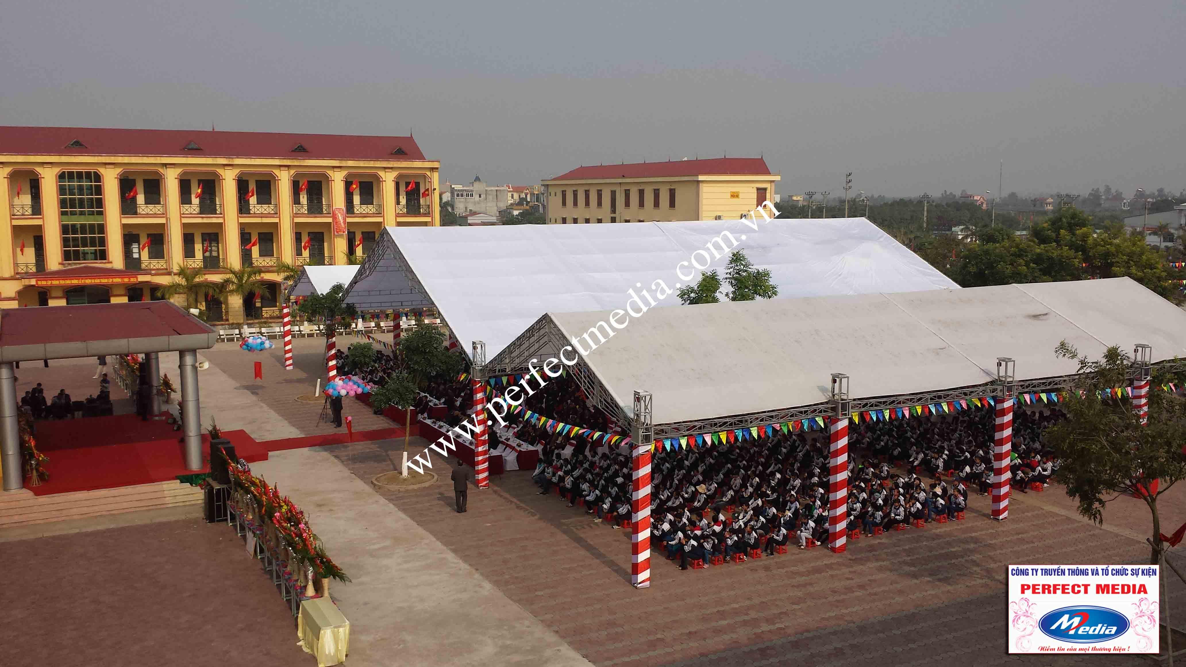 Toàn cảnh ngày lễ kỷ niệm 50 năm thành lập Trường THPT Tứ Kỳ