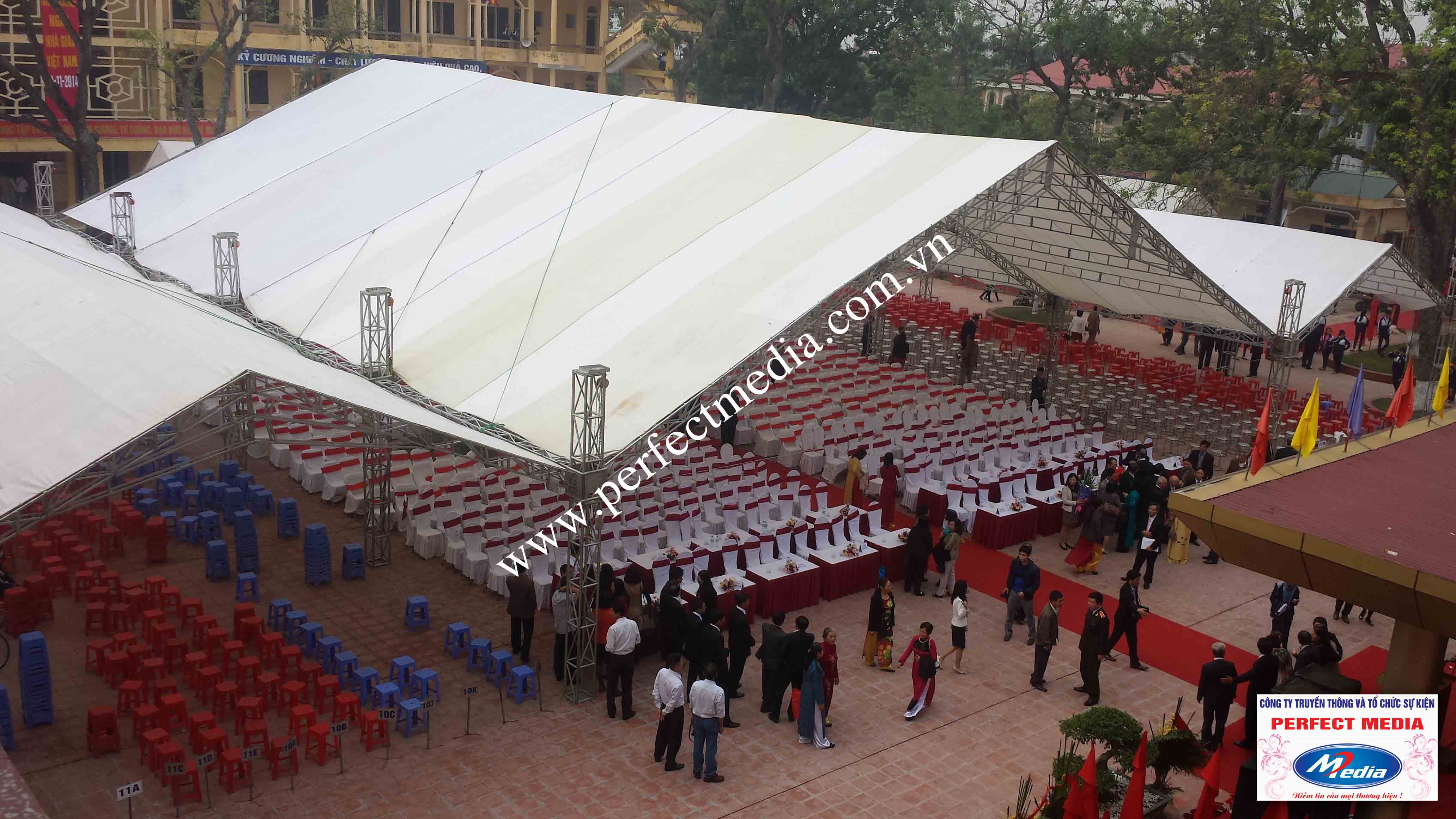 Hình ảnh buổi lễ Trường THPT Kim Thành được công nhận đạt chuẩn Quốc Gia 12