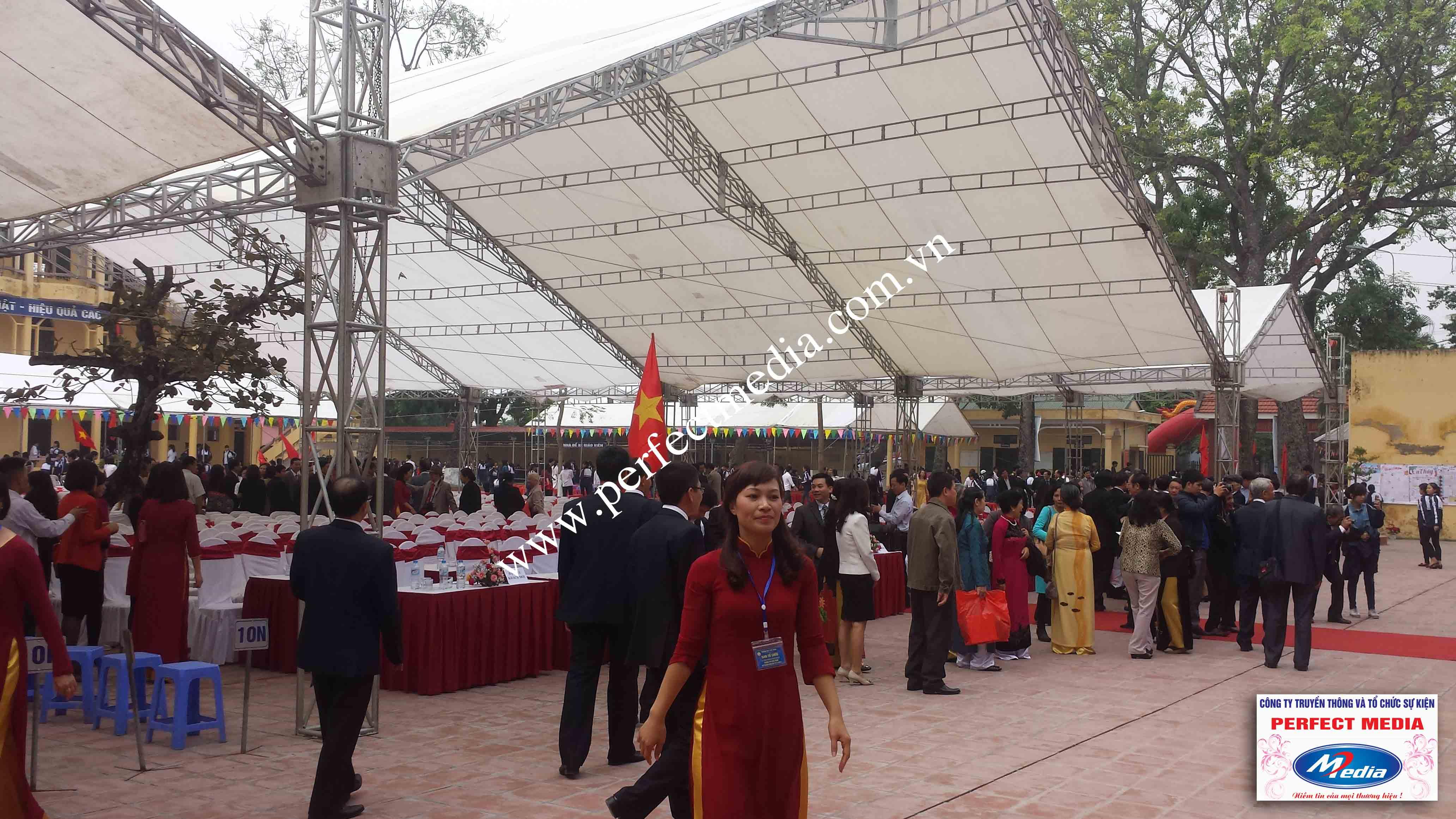 Hình ảnh buổi lễ Trường THPT Kim Thành được công nhận đạt chuẩn Quốc Gia 04