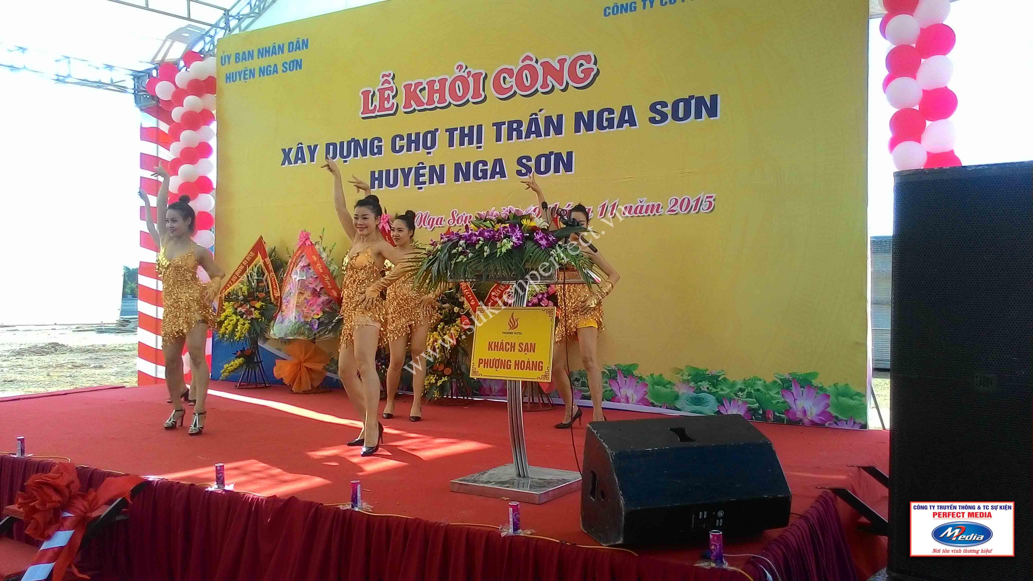 Hình ảnh trong lễ khởi công xây dựng chợ thị trấn huyện Nga Sơn 17