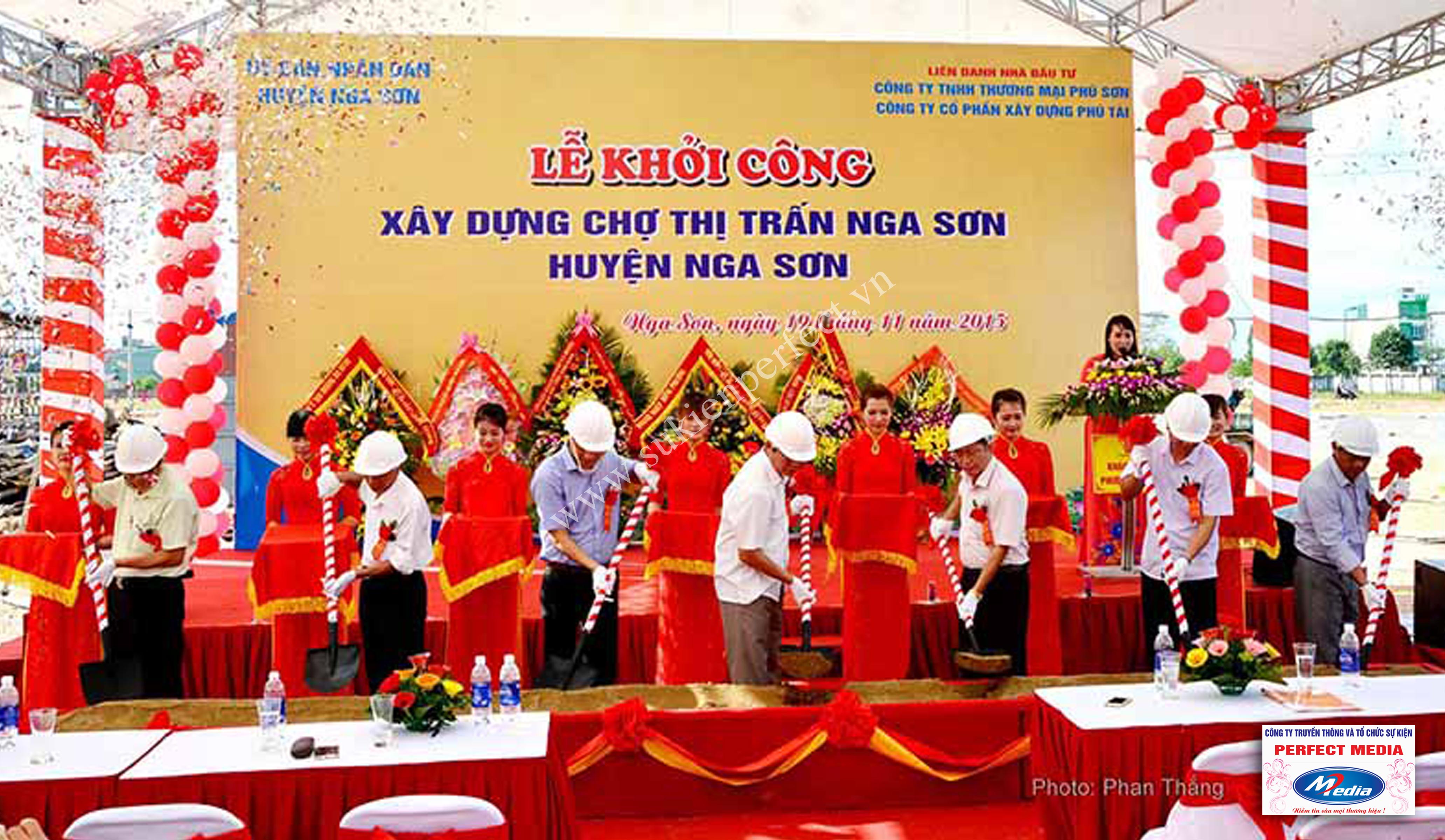 Hình ảnh trong lễ khởi công xây dựng chợ thị trấn huyện Nga Sơn 18