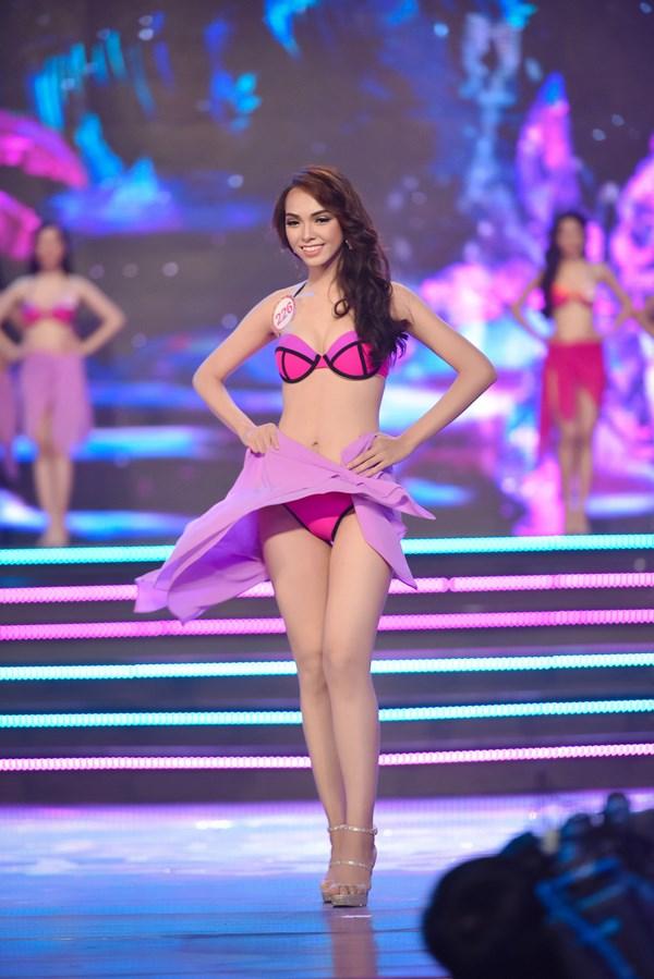 Hình ảnh người đẹp phía Nam trong trang phục Bikini 04