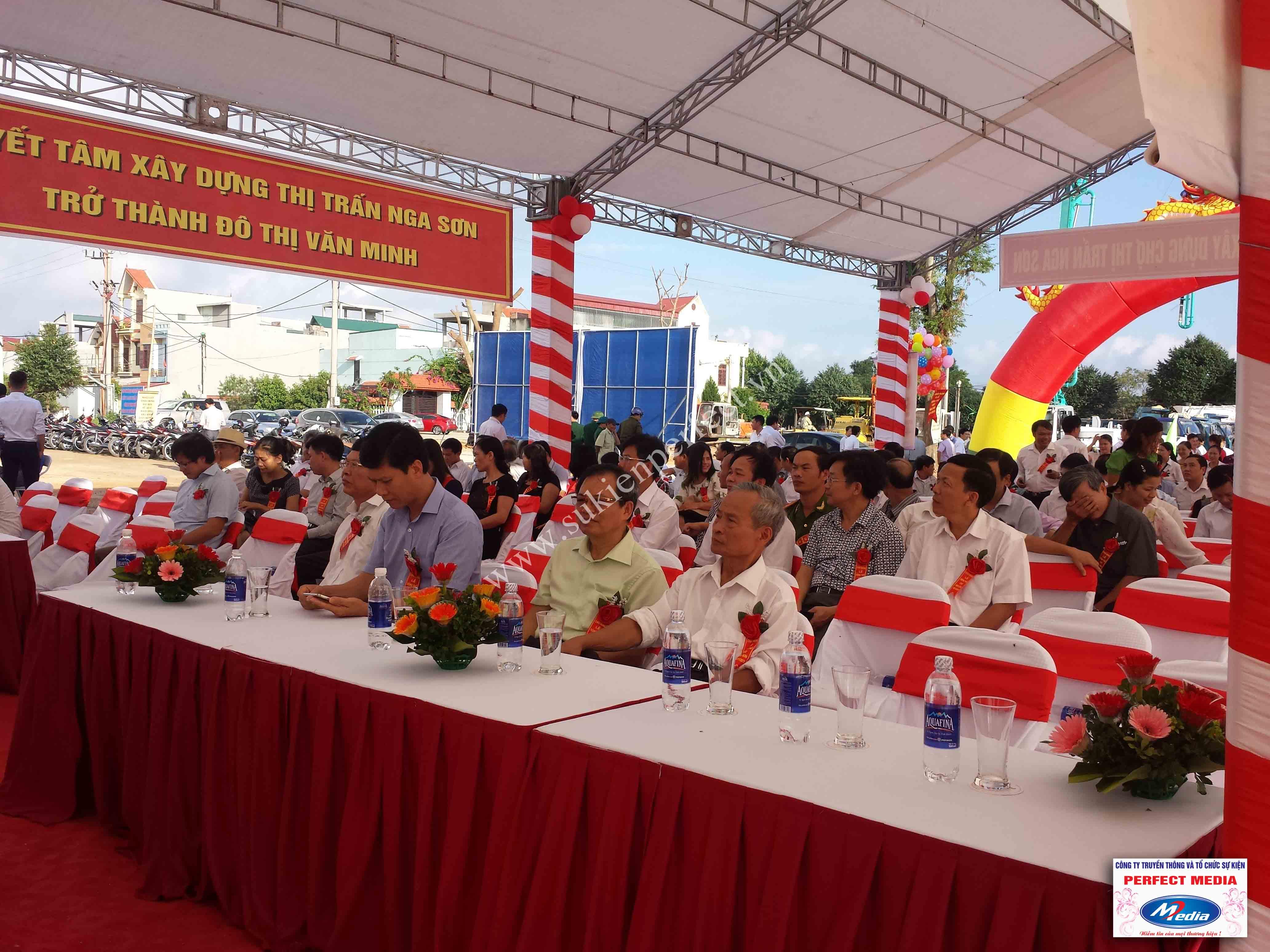 Hình ảnh hội trường lễ khởi công xây dựng chợ thị trấn huyện Nga Sơn 06