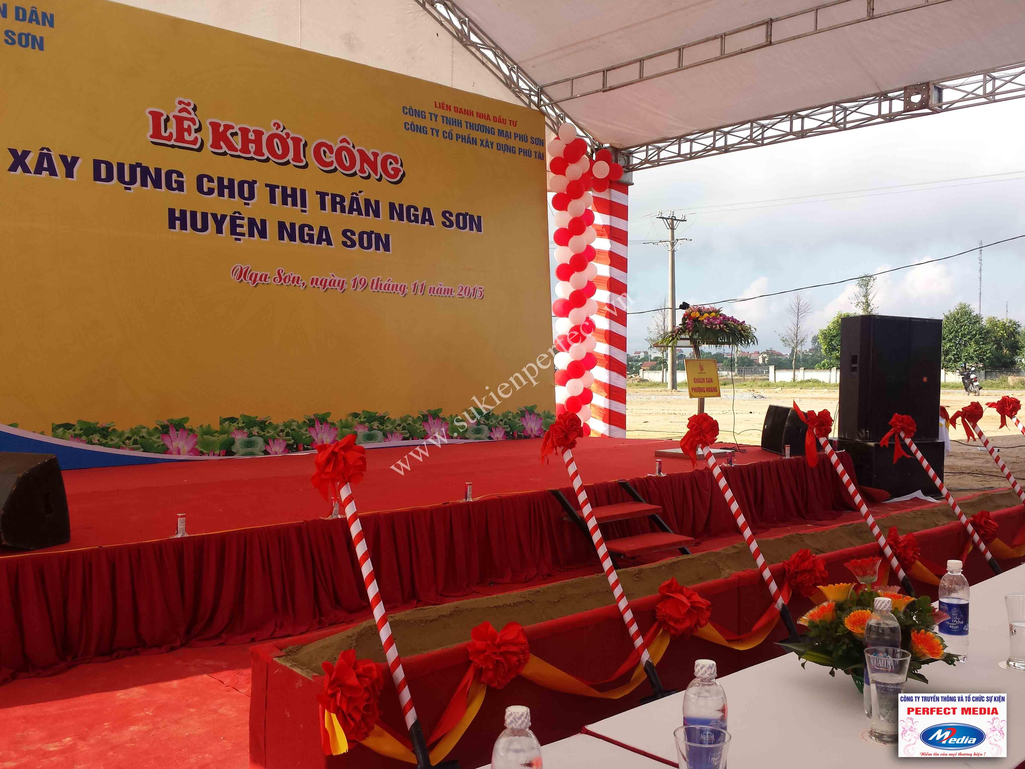 Hình ảnh hội trường lễ khởi công xây dựng chợ thị trấn huyện Nga Sơn 07