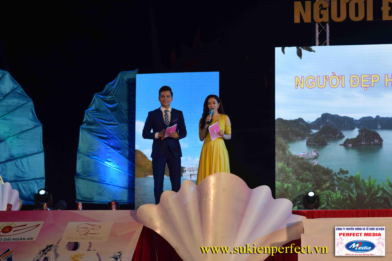 Cặp đôi MC chuyên nghiệp của sự kiện Người đẹp Hạ Long 2016 – Bikini