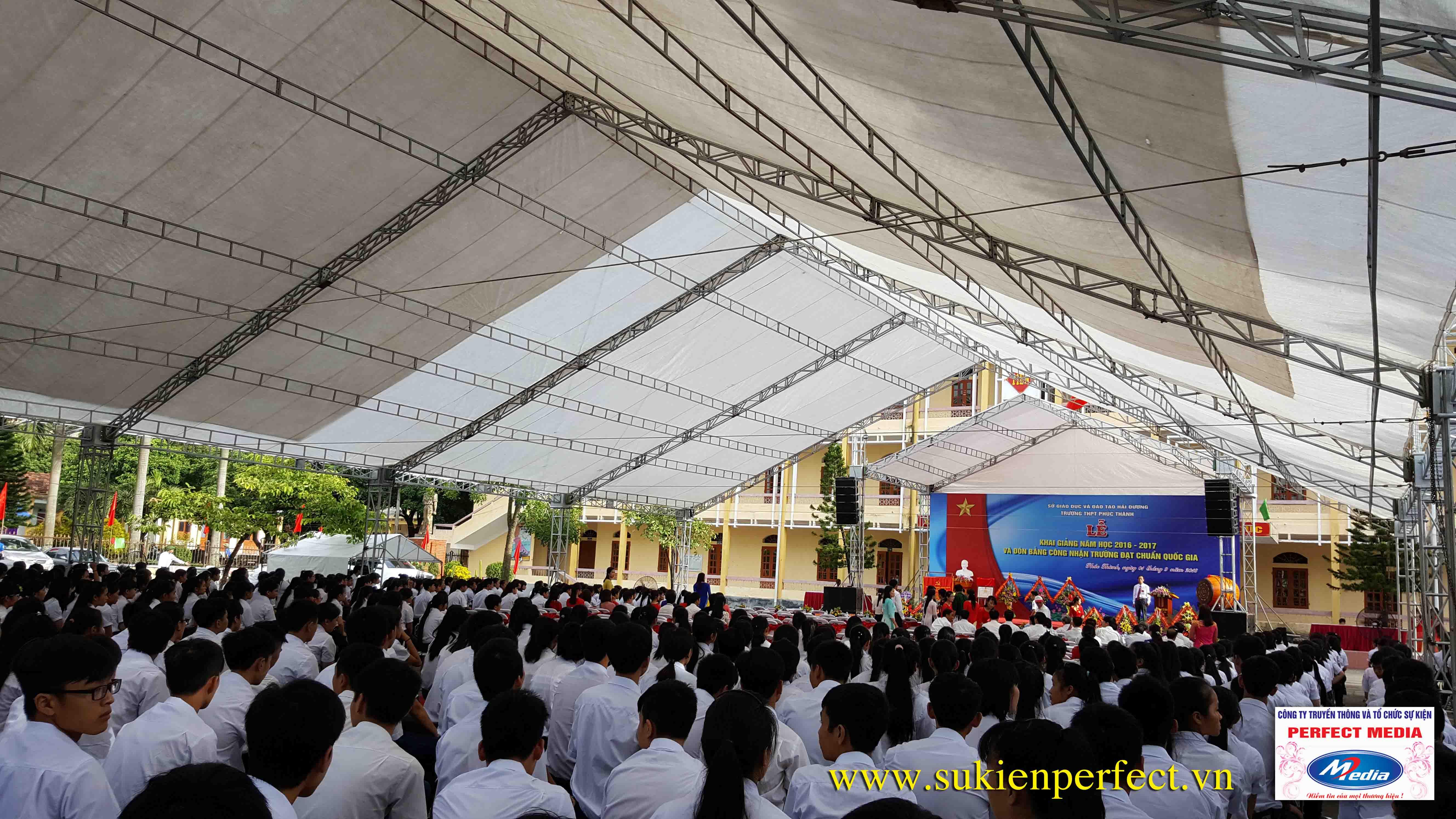 Hình ảnh trong buổi lễ THPT Phúc Thành đón chuẩn Quốc gia 06
