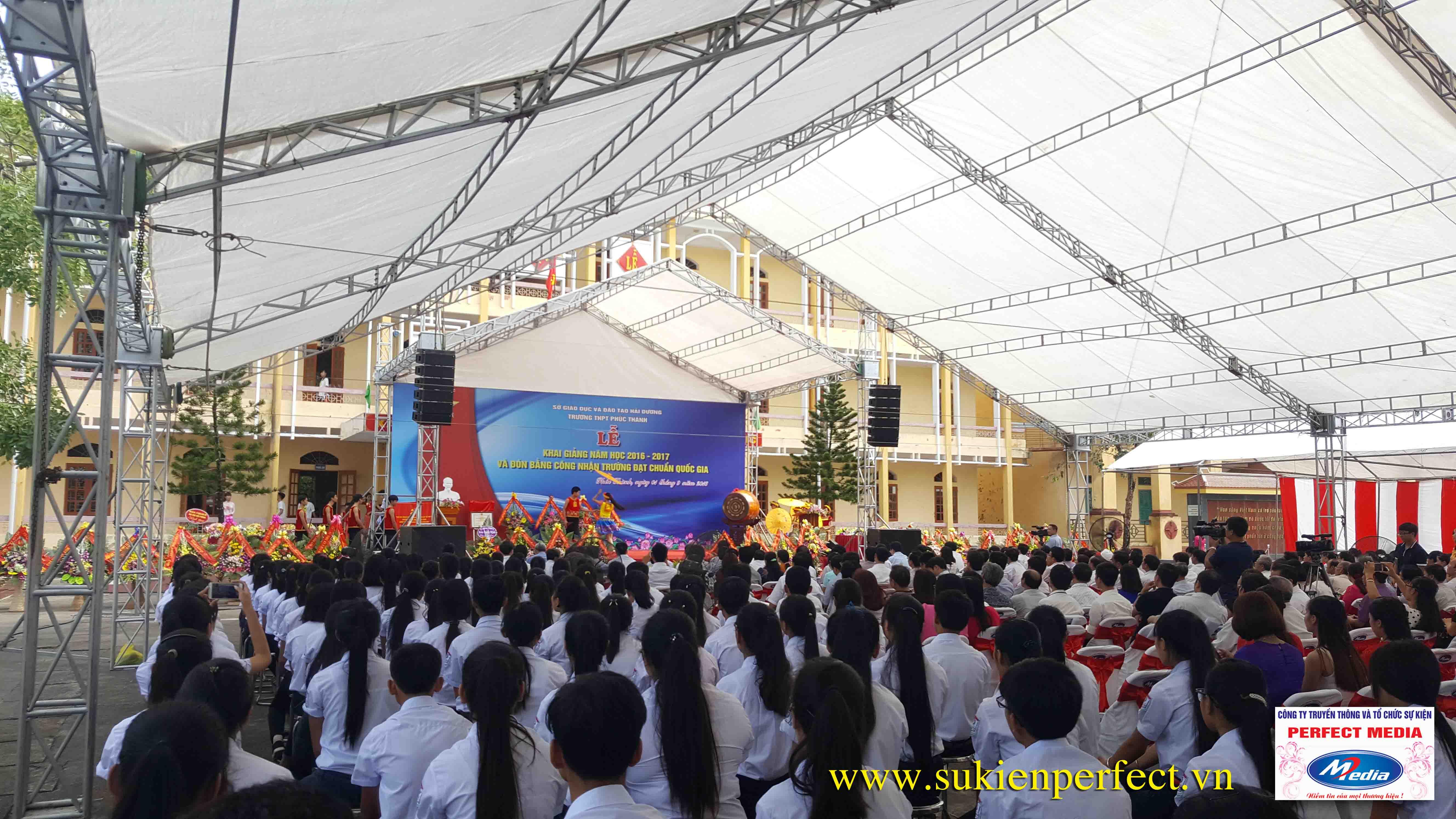 Hình ảnh trong buổi lễ THPT Phúc Thành đón chuẩn Quốc gia 08