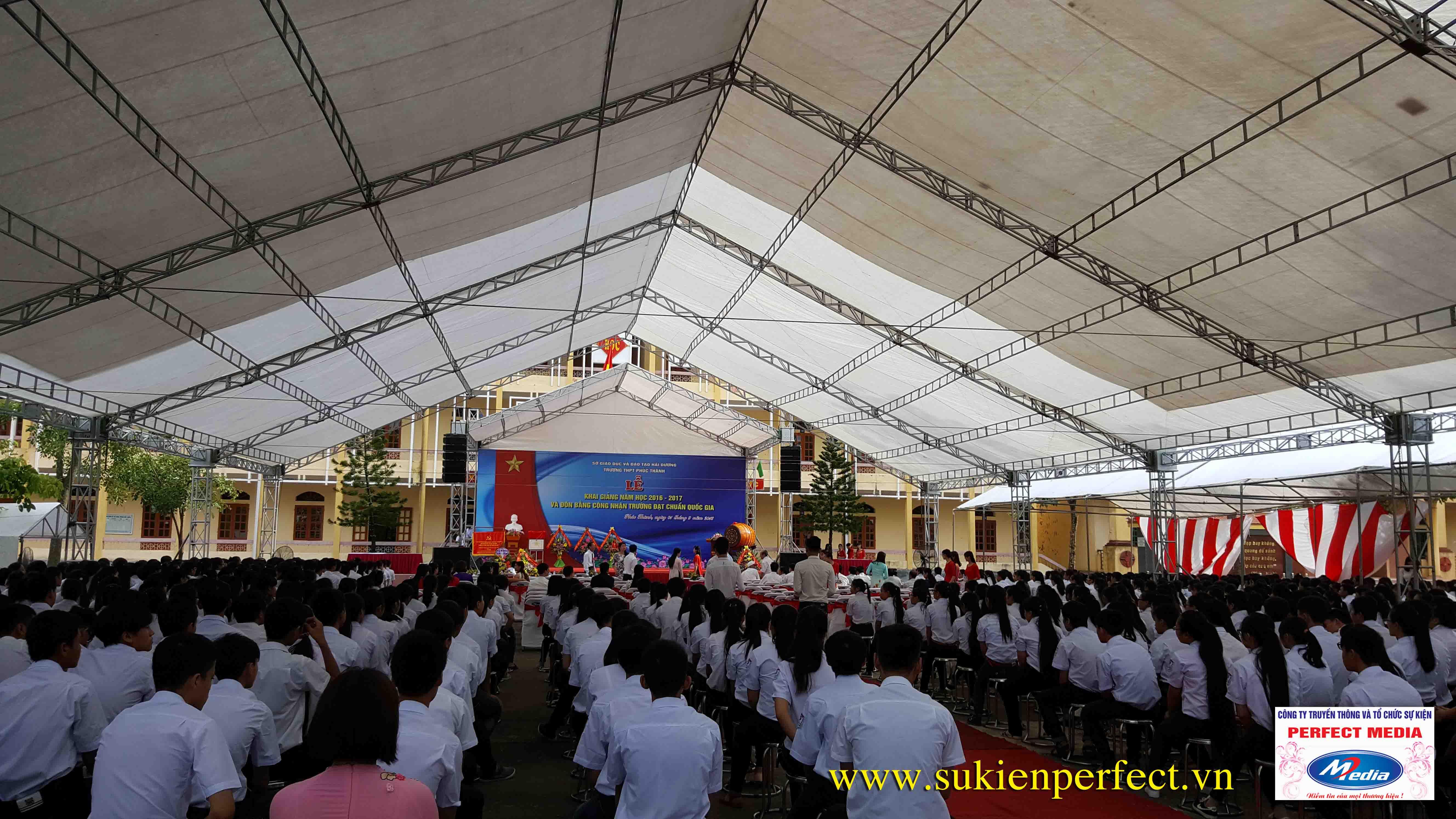 Hình ảnh trong buổi lễ THPT Phúc Thành đón chuẩn Quốc gia 02