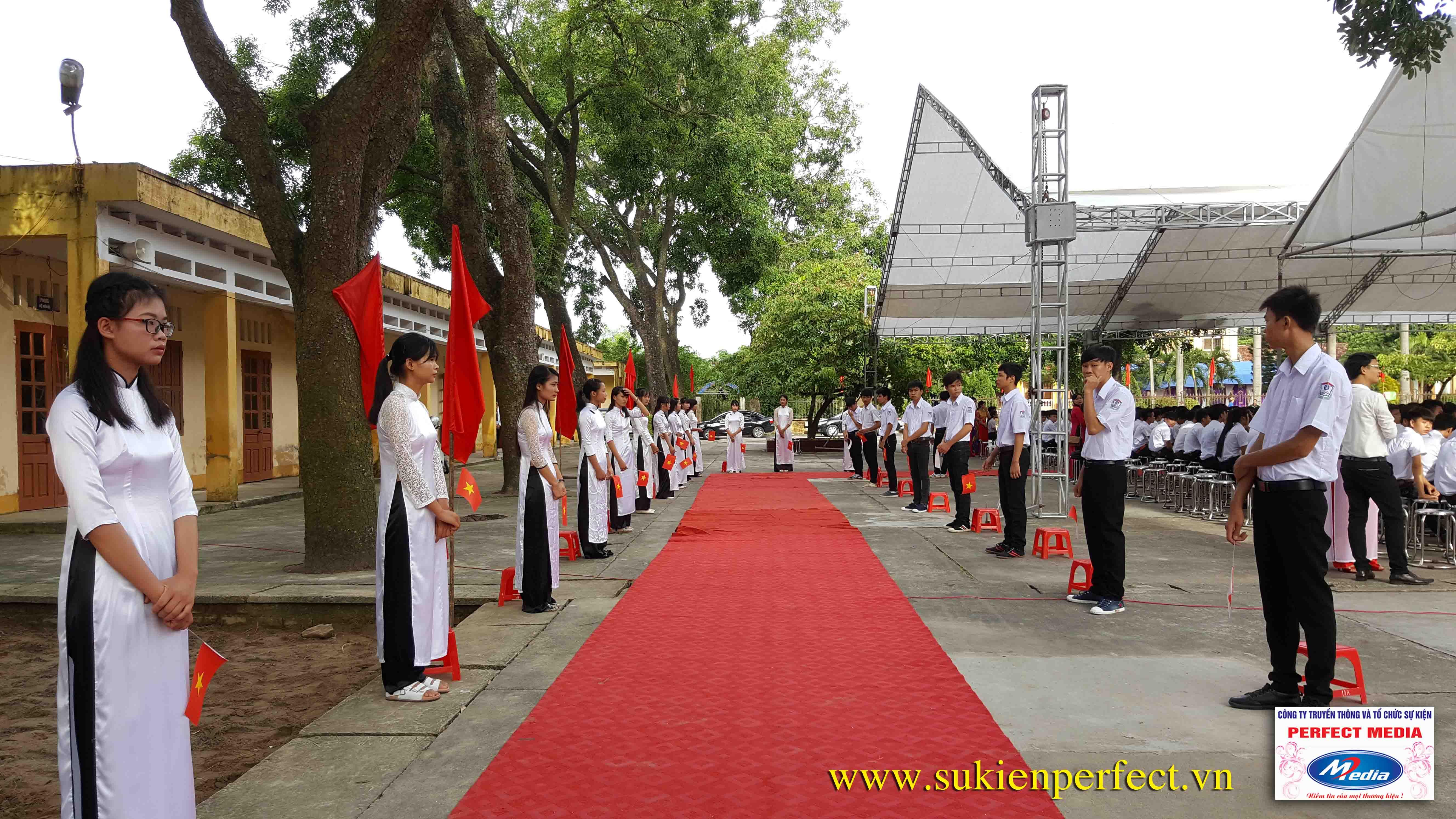 Hình ảnh trong buổi lễ THPT Phúc Thành đón chuẩn Quốc gia 03