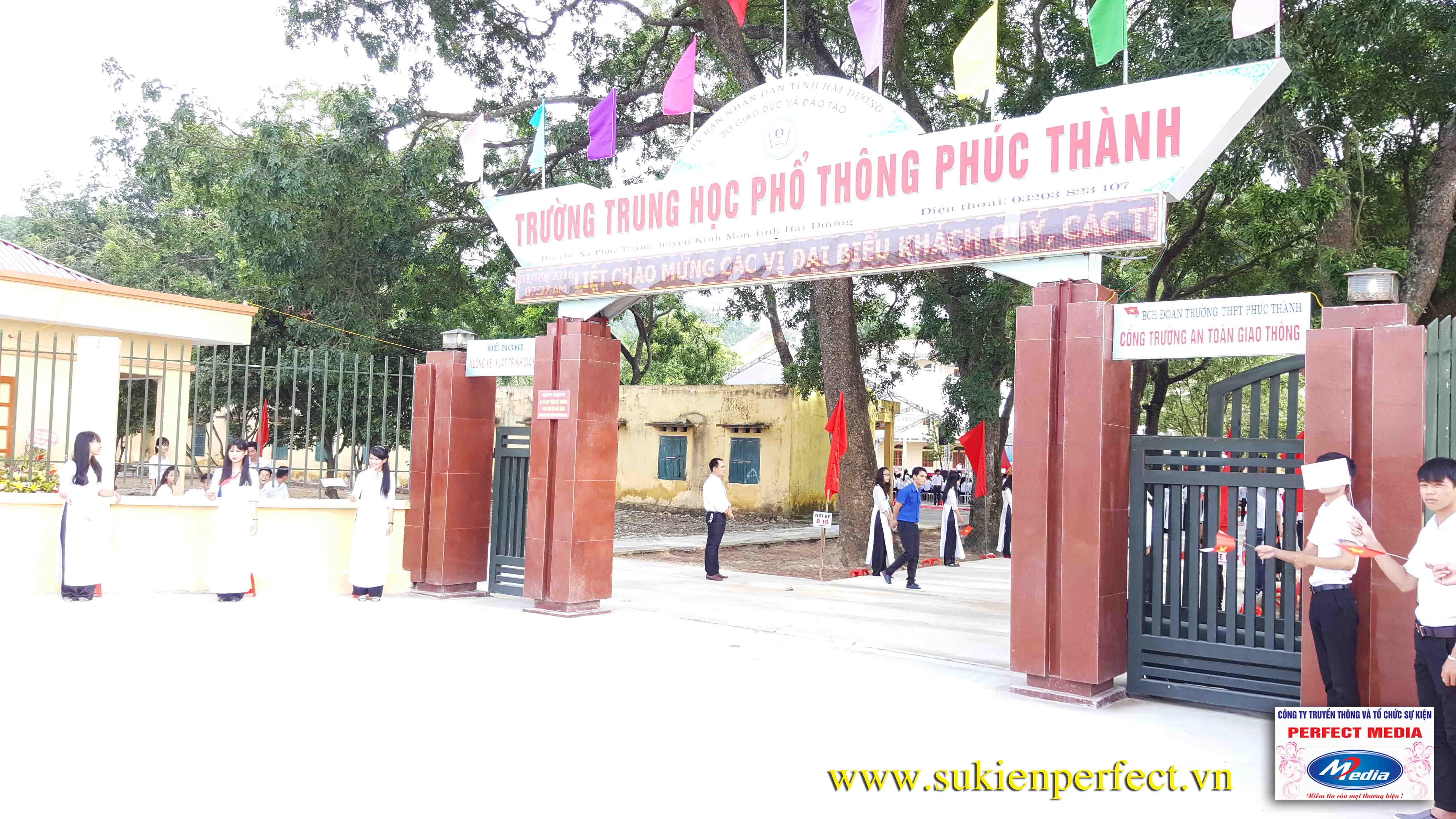 Hình ảnh trong buổi lễ THPT Phúc Thành đón chuẩn Quốc gia 05