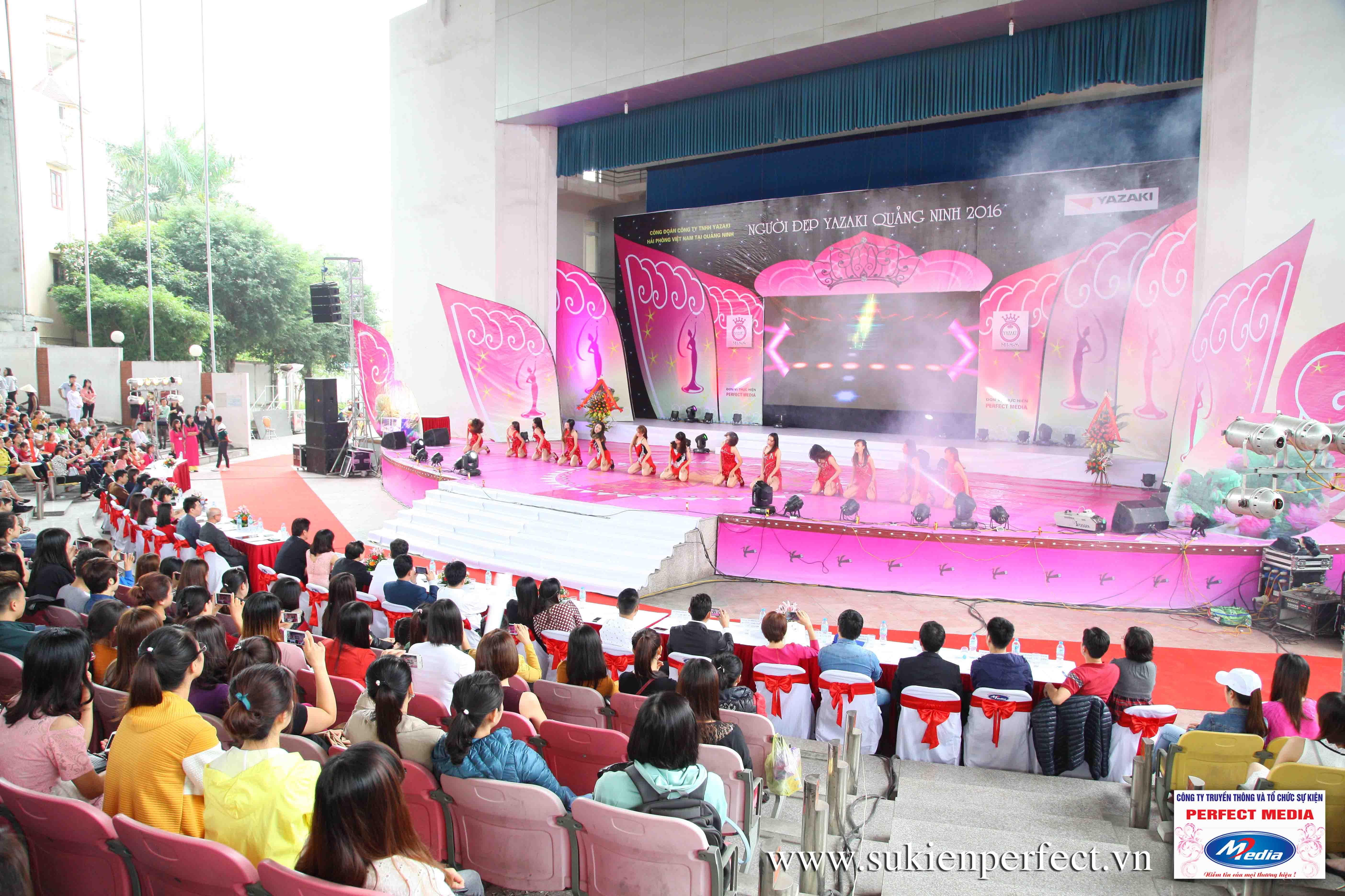 Không khí cuộc thi Người đẹp Yazaki Quảng Ninh 2016 (Hình thể)