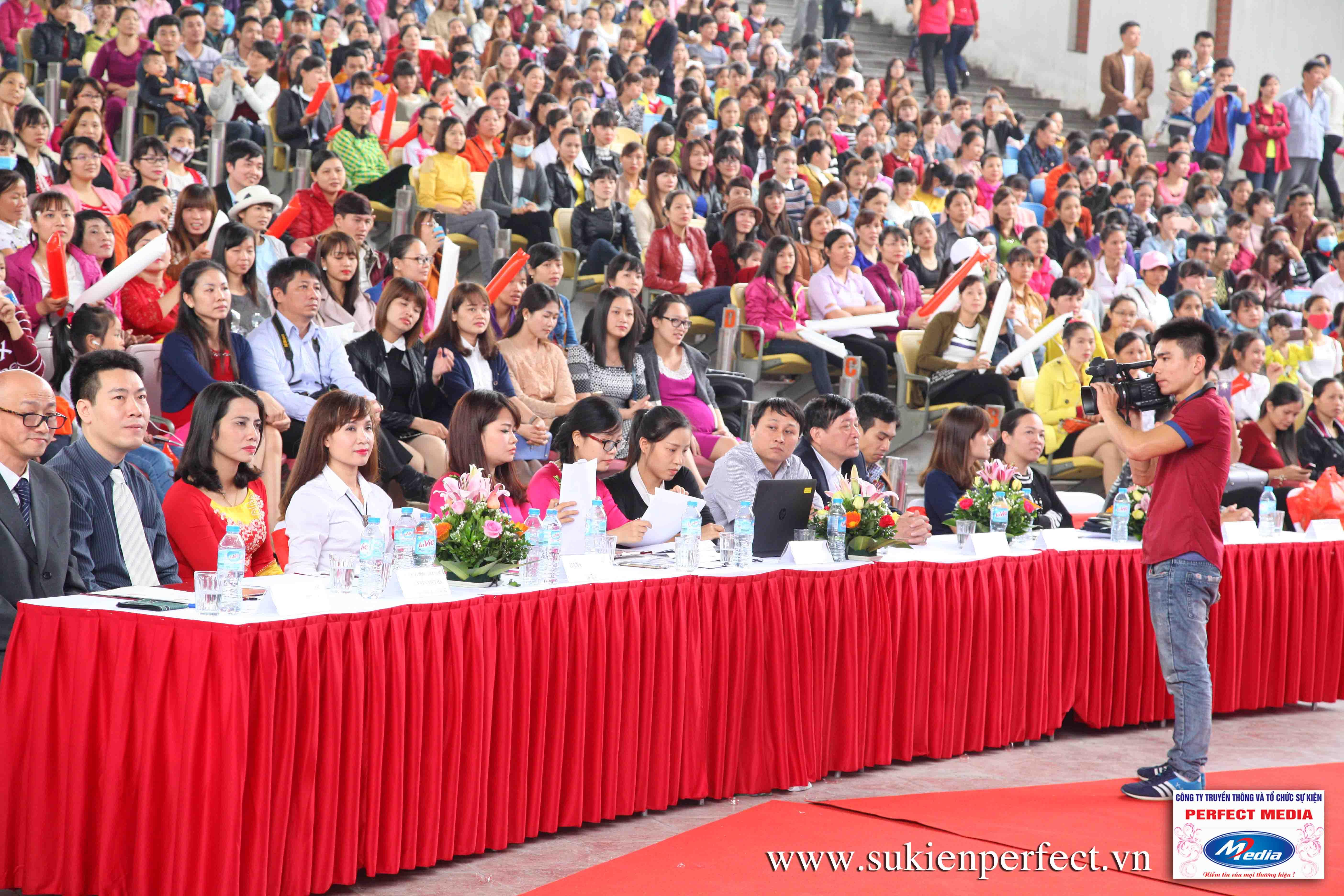 Hình ảnh các thí sinh trong cuộc thi Người đẹp Yazaki Quảng Ninh 2016 (Hình thể) - 19