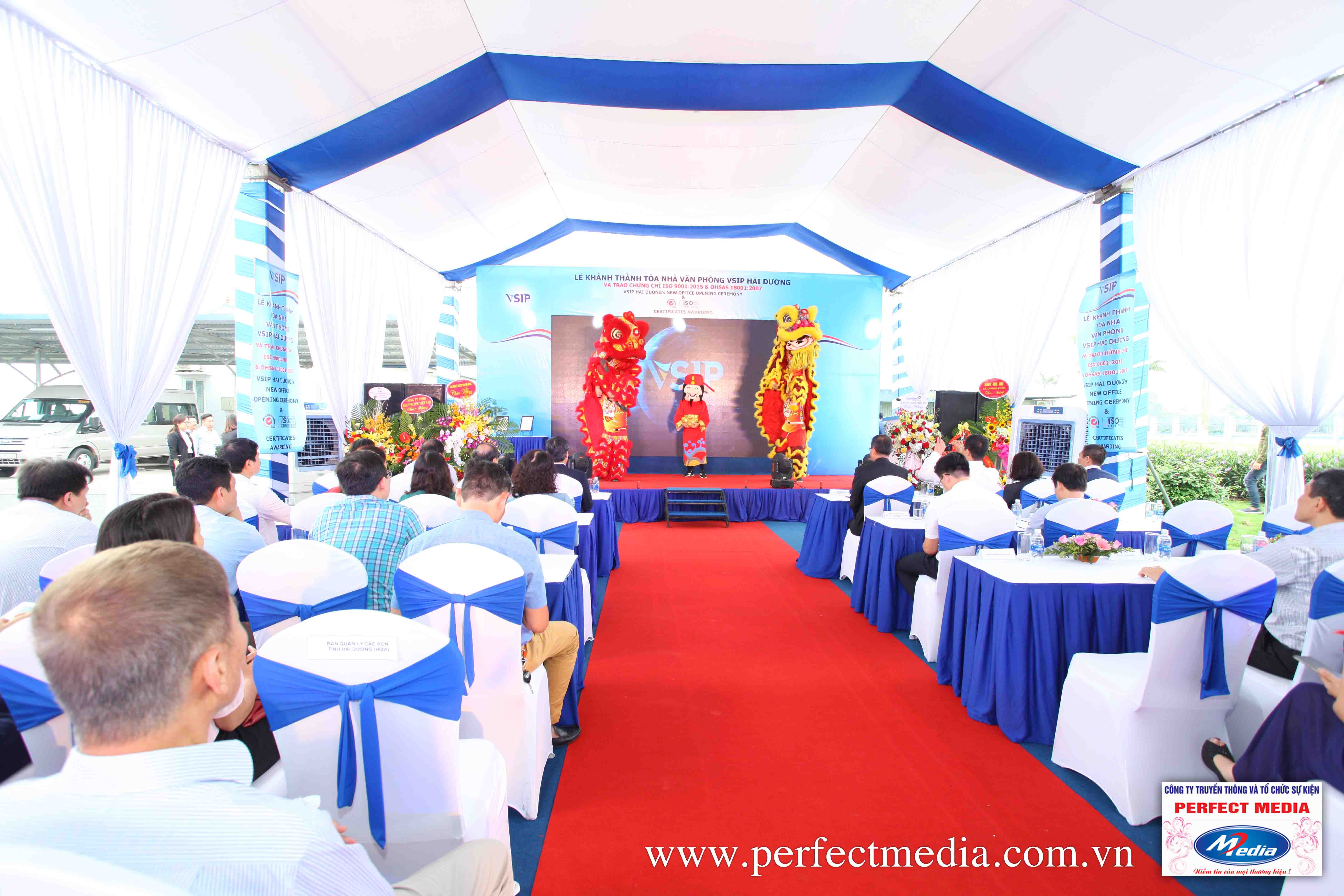 Perfect Media cung cấp nhà bạt, nhà dù, nhà bạt không gian chuyên nghiệp