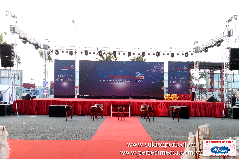 Tất cả đã sẵn sàng cho buổi lễ quan trọng của Tập đoàn Tân Á Đại Thành