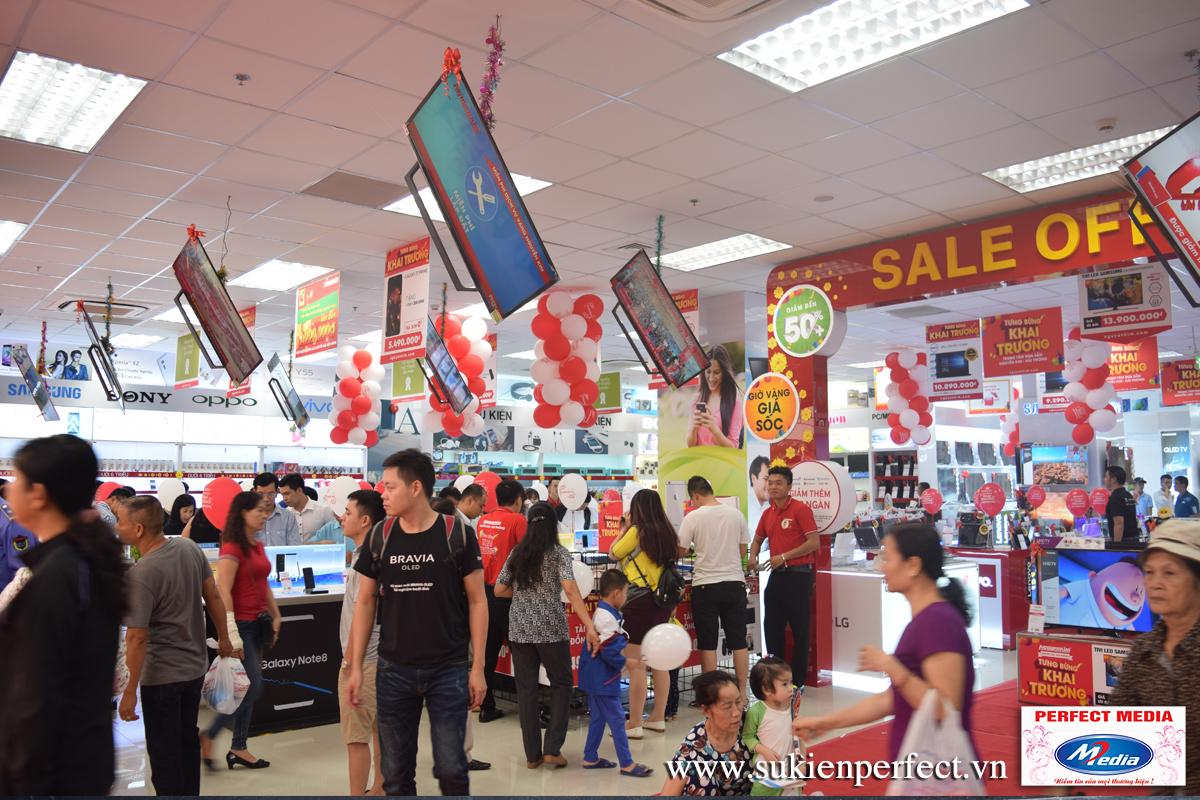 TTMS Nguyễn Kim Hải Phòng chính thức mở cửa và chào đón đông đảo khách hàng đến tham quan, mua sắm.