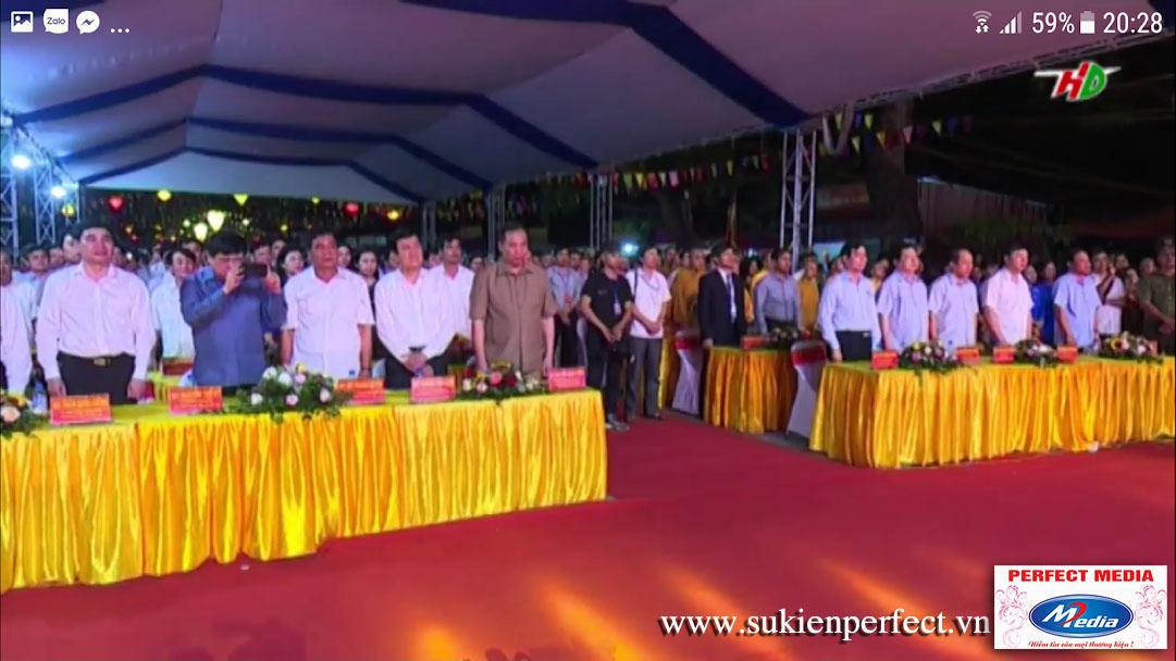 Các đại biểu dự lễ tưởng niệm 718 năm ngày mất của Anh hùng dân tộc Trần Hưng Đạo.