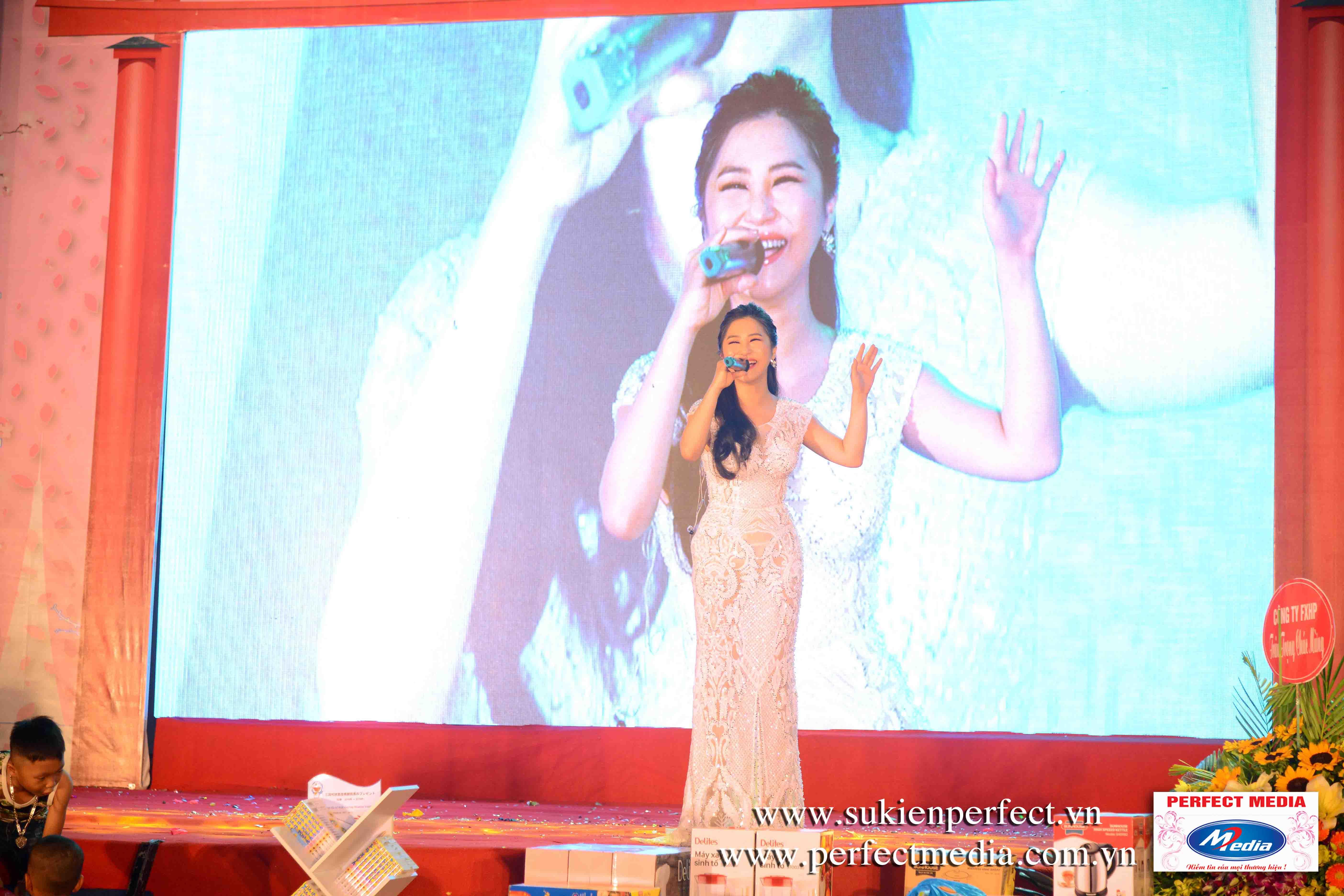 Màn hình Led sân khấu Family Day Ca sỹ Hương Tràm biểu diễn