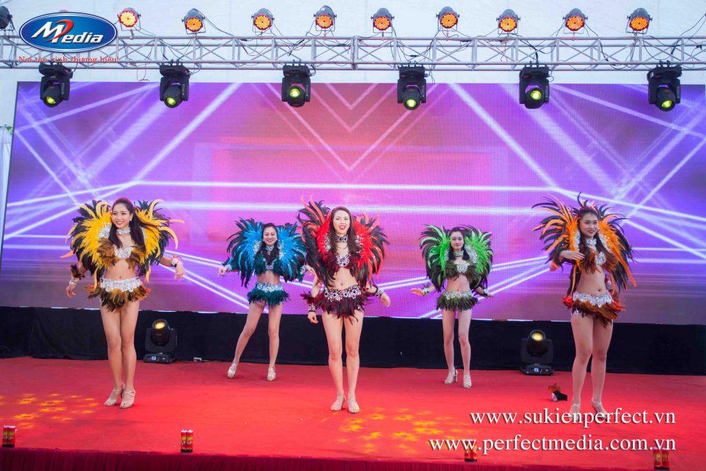 Nhóm nhảy Carnaval