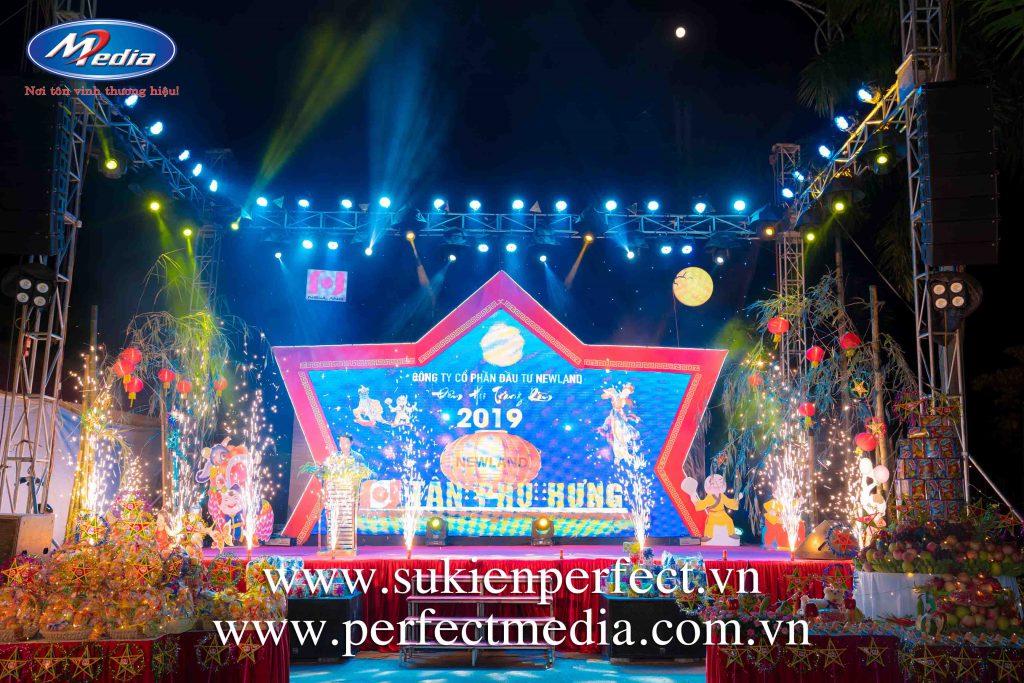 Sân khấu chương trình: Tết trung thu, Year End Party - Tất niên cuối năm