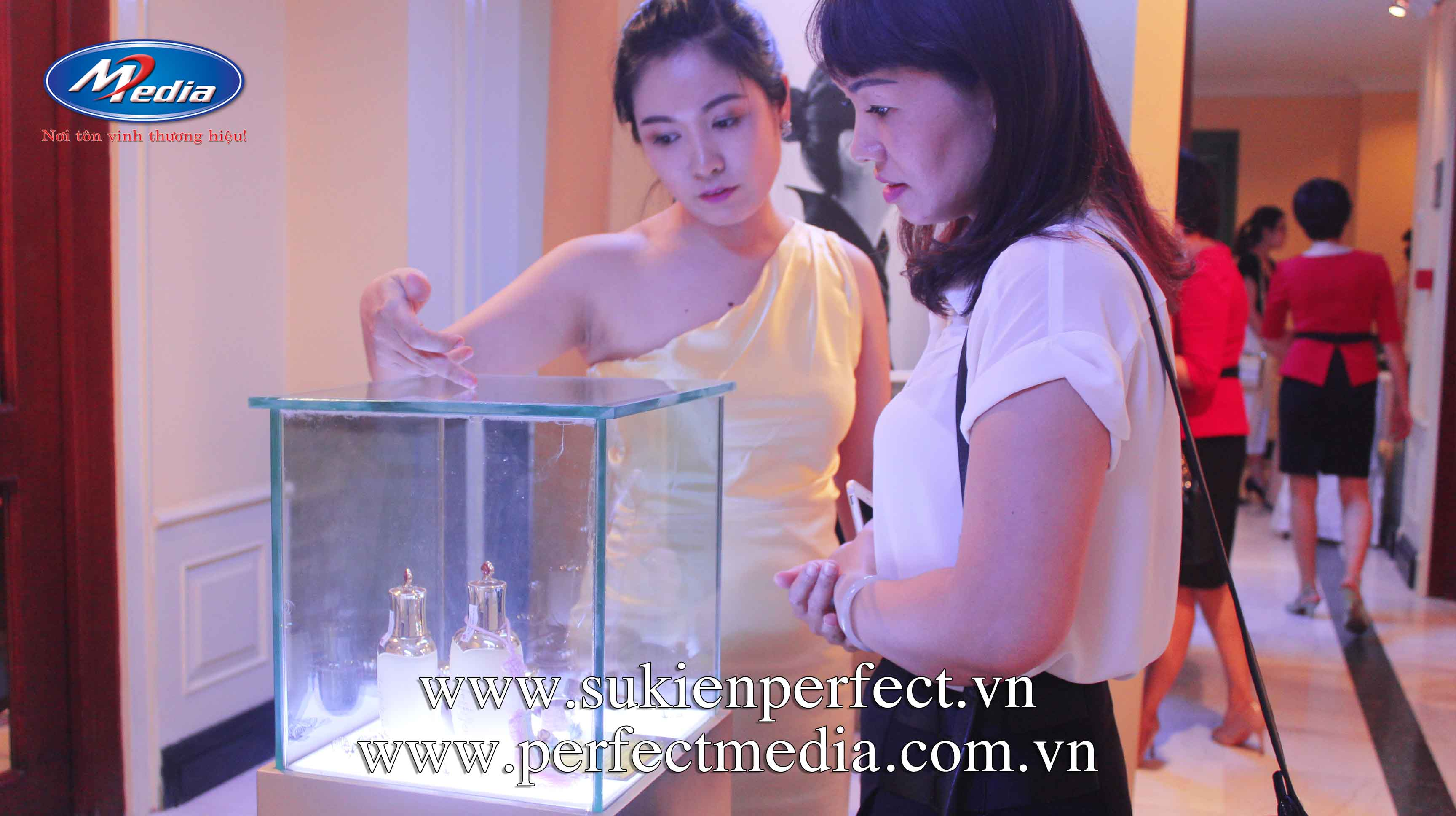 dịch vụ tổ chức lễ ra mắt, giới thiệu sản phẩm, dịch vụ mới chuyên nghiệp hàng đầu tại Hà Nội