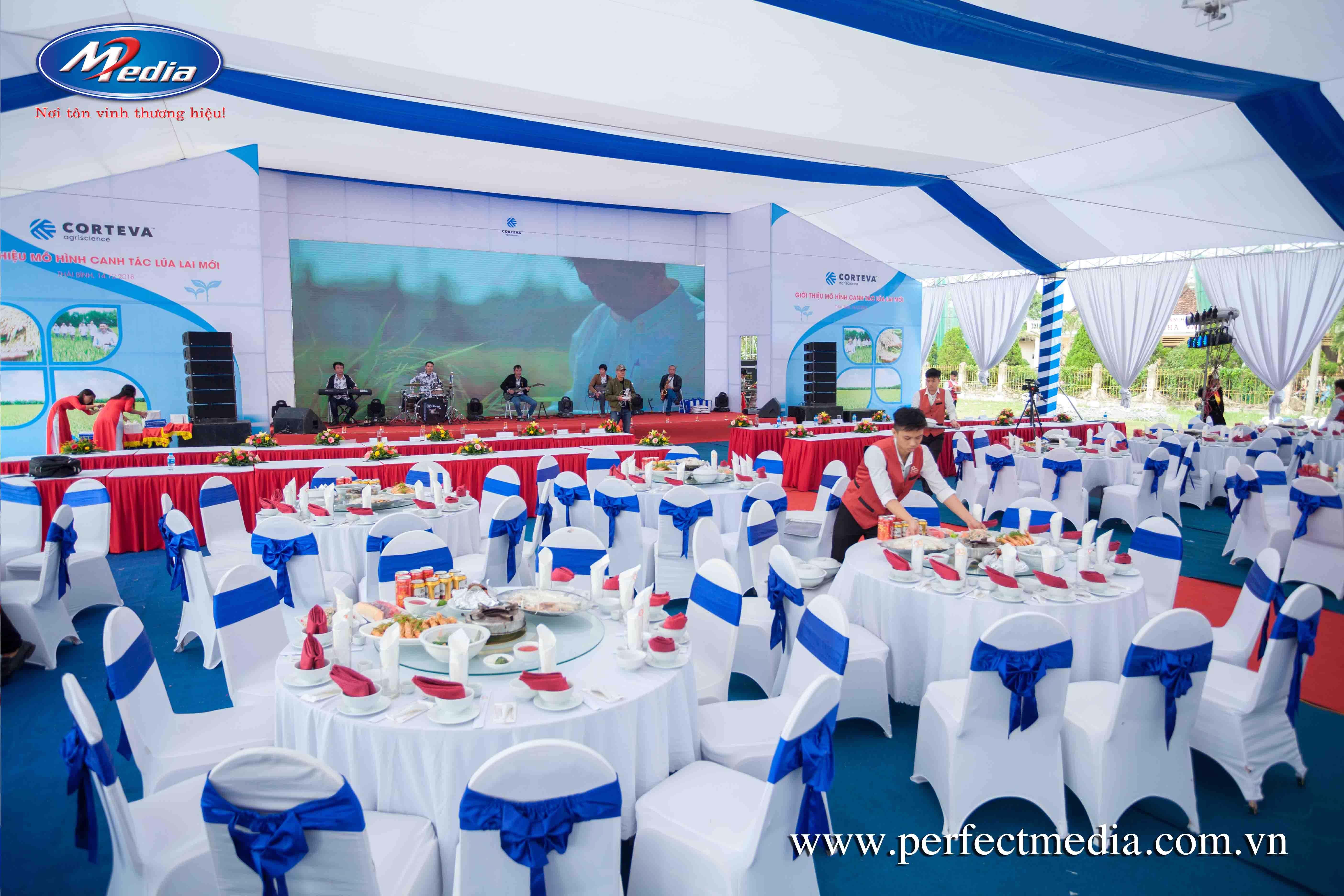 Tại sao Quý khách nên sử dụng hệ thống nhà bạt, bàn ghế tổ chức sự kiện chuyên nghiệp của Perfect Media cho thuê tại Thái Bình