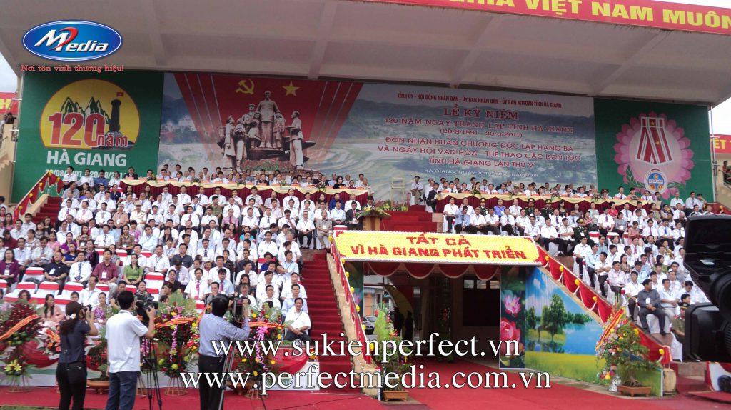 lễ kỷ niệm thành lập tỉnh, huyện